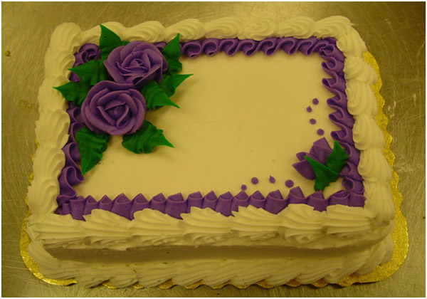 Decorating border of the cake