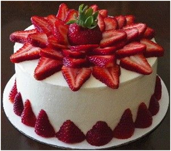 Tips For Decorating The Cake With Fresh Strawberries Cakengifts In