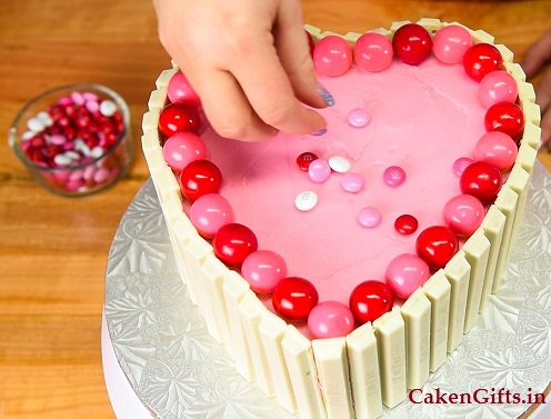 Marvelous Best Ideas Of Cake Decorating For Valentines Day Cakengifts In Funny Birthday Cards Online Inifofree Goldxyz