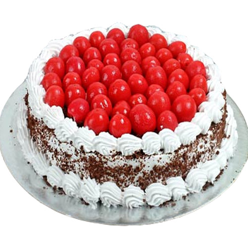 blackforest-cake-with-cherry