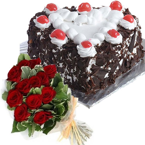 black-forest-cake-in-heart-12-roses