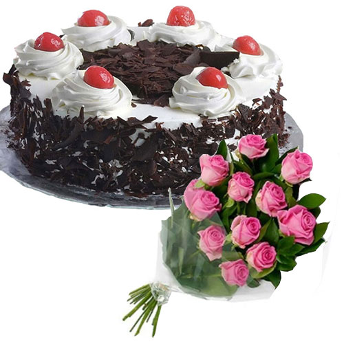 black-forest-cake-in-round-12-pink-roses