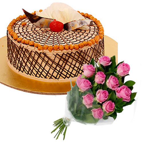 crunchy-butterscotch-cake-12-pink-roses