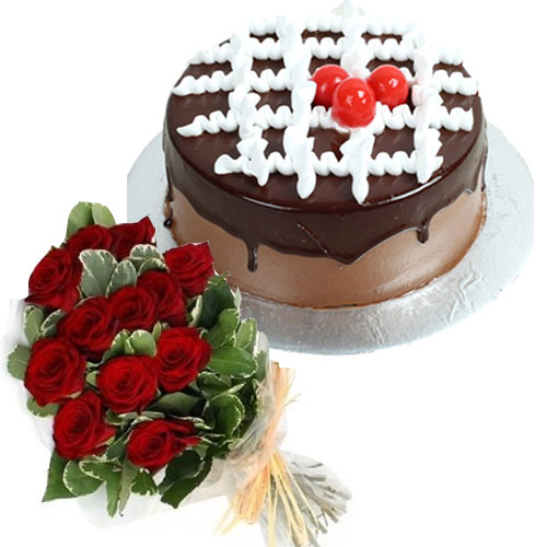 deluxe-chocolate-cake-12-roses