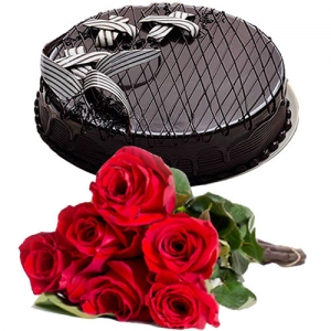 Rich Chocolate Cake 6 Roses