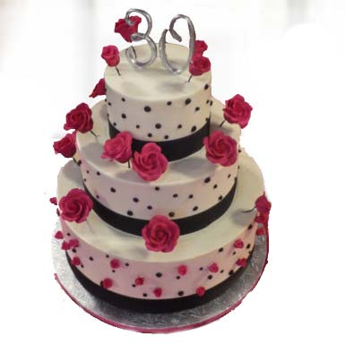 3-tier-cake-with-full-of-roses