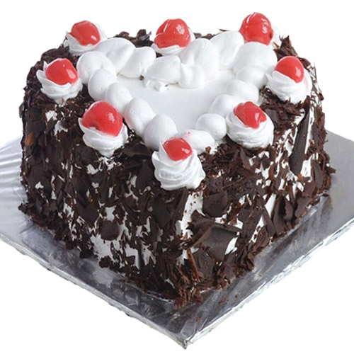 black-forest-cake-in-heart